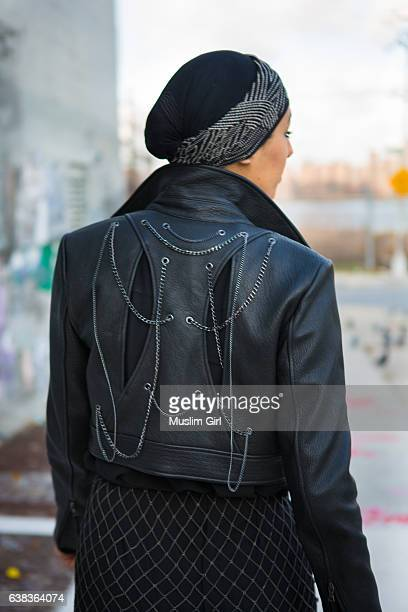 #muslimgirl in the city - muslimgirlcollection stock pictures, royalty-free photos & images