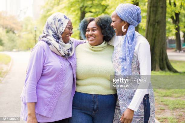 #muslimgirls spending time with their mom - muslimgirlcollection stock pictures, royalty-free photos & images