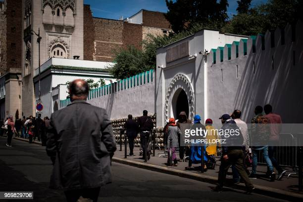 Muslims arrive at the Grande Mosquee de Paris in Paris on May 18 2018 for the first Friday prayers of the holy month of Ramadan