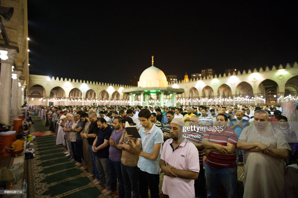 Laylat Al Qadr (Night of Destiny) in Cairo : Foto jornalística