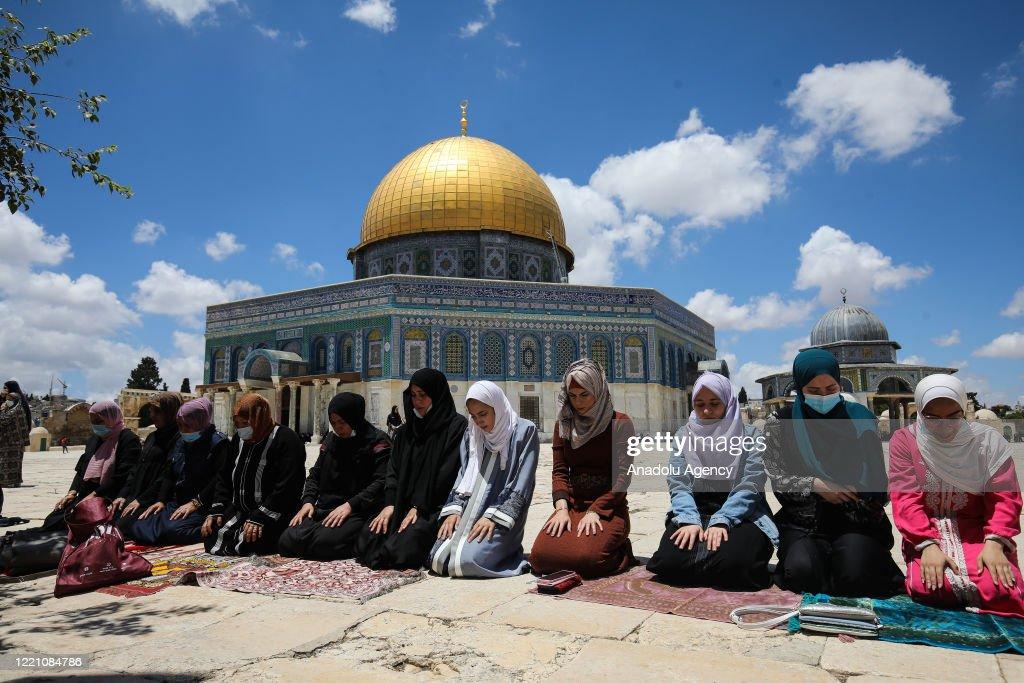 Friday prayer at Masjid Al-Aqsa : Nieuwsfoto's