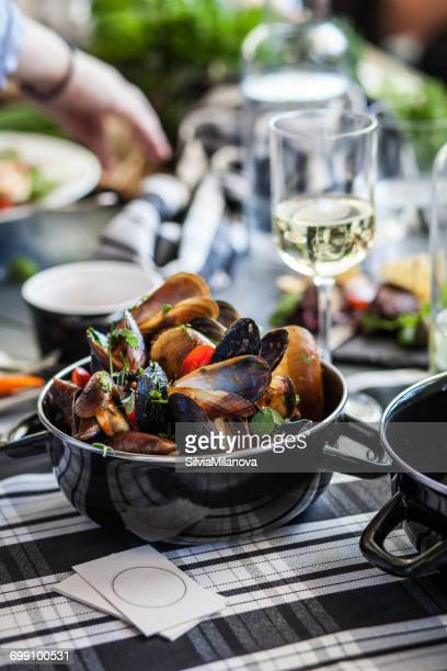Mussels and white wine