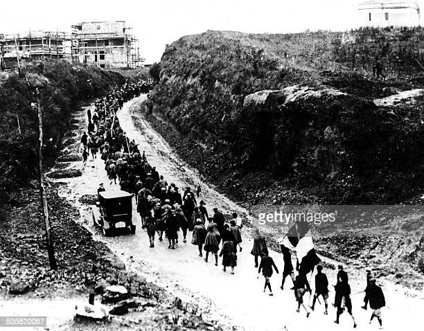 Mussolini's facists groups march on Rome Italy Washington National archives