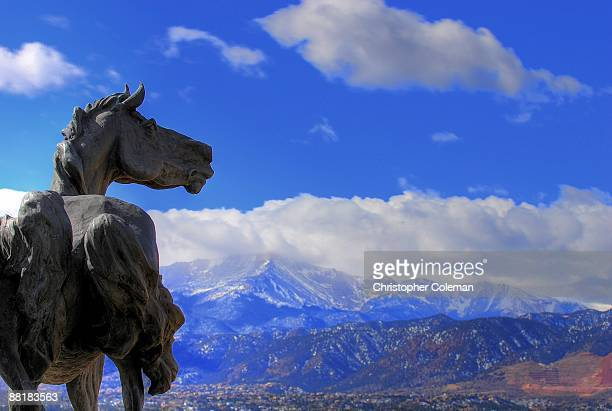 mustang facing pikes peak - colorado springs stock pictures, royalty-free photos & images