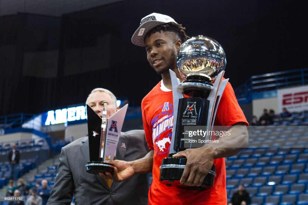 COLLEGE BASKETBALL: MAR 12 AAC Championship - Cincinnati v SMU : News Photo