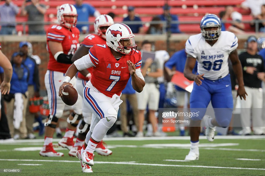 SMU Mustangs quarterback Darrel Colbert Jr. (7) scrambles out of the pocket during the second half of the Memphis Tigers 51-7 victory over the SMU Mustangs on November 5, 2106, at Gerald Ford Stadium in Dallas, TX.