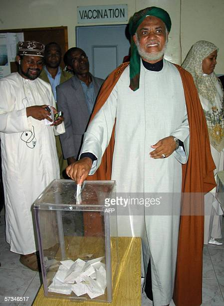 Ahmed Abdallah Sambi founding member of the Front National pour la Justice cast his ballot 16 April 2006 at a polling station in Mutsamudu the...
