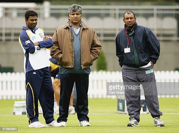 Muttiah Muralitharan of Sri Lanka has a chat with fromer captains Arjuna Ranatunga and Aravinda De Silva during the Sri Lanka nets session at Lords...