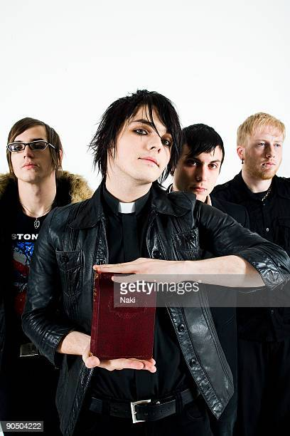 My Chemical Romance posed in London on November 05 2005 L R Mikey Way Gerard Way Frank Iero Bob Bryar