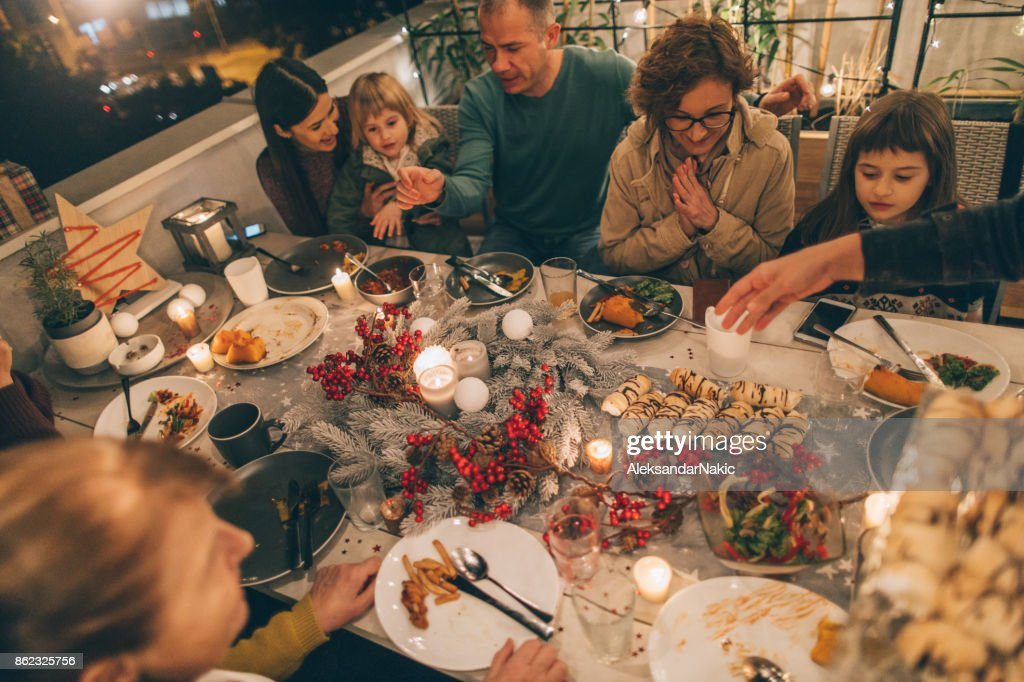 My family at Thanksgiving dinner : Stock Photo