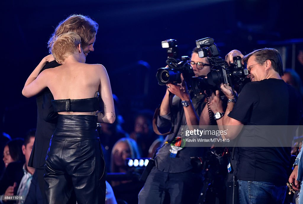 2014 MTV Video Music Awards - Roaming Show : News Photo