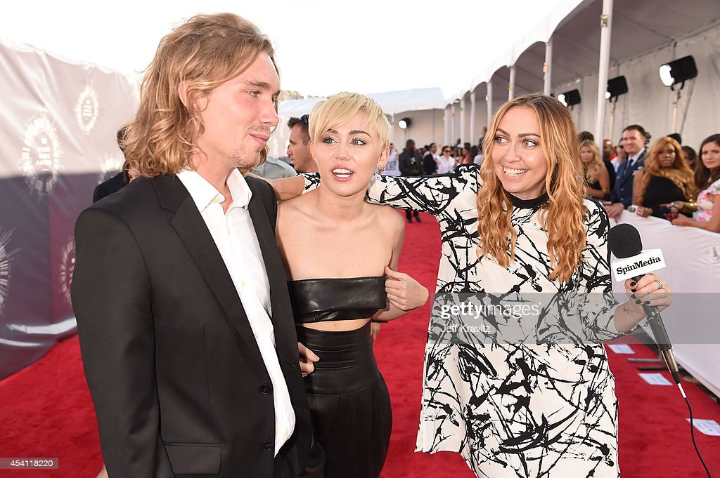2014 MTV Video Music Awards - Red Carpet : News Photo