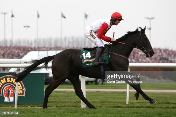 My Will ridden by Nick Schofield goes to post