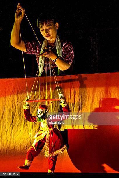 MMR Myanmar Burma Birma MarionettenTheater Yokthei pwe Puppen Marionetten Aufnahmedatum2013 Asien Reise Reiseziel Torurismust