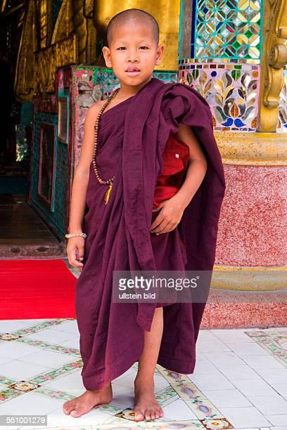 MMR Myanmar Burma Birma Yangoon Aufnahmedatum2013 Asien Reise Reiseziel Buddhismus Tempel Schreine Nats Shwedagon Pagode auch ShwedagonPaya Shwedagon...