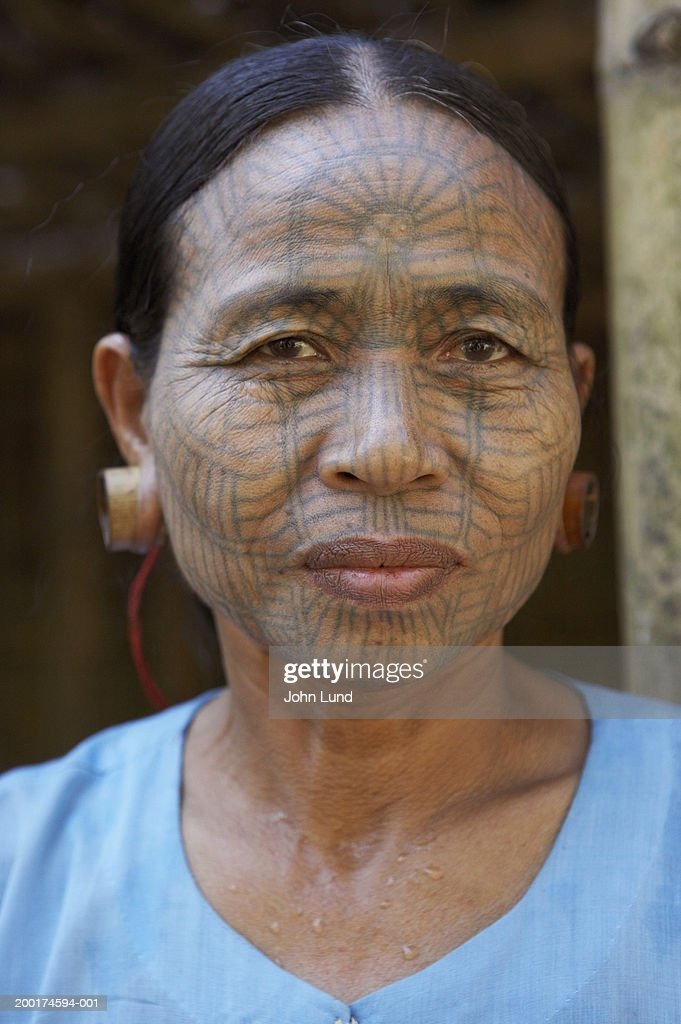 823a93c3b Myanmar, Kyee Chaung Village, Chin Tribal woman with facial tattoos : Stock  Photo