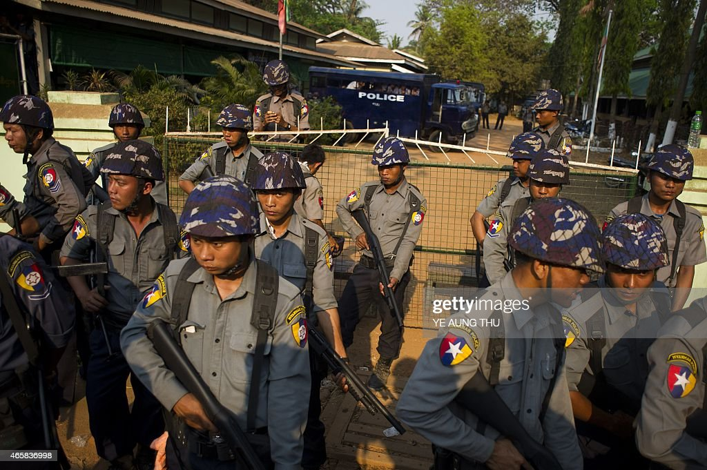 MYANMAR-POLICE-PROTEST-EDUCATION : News Photo