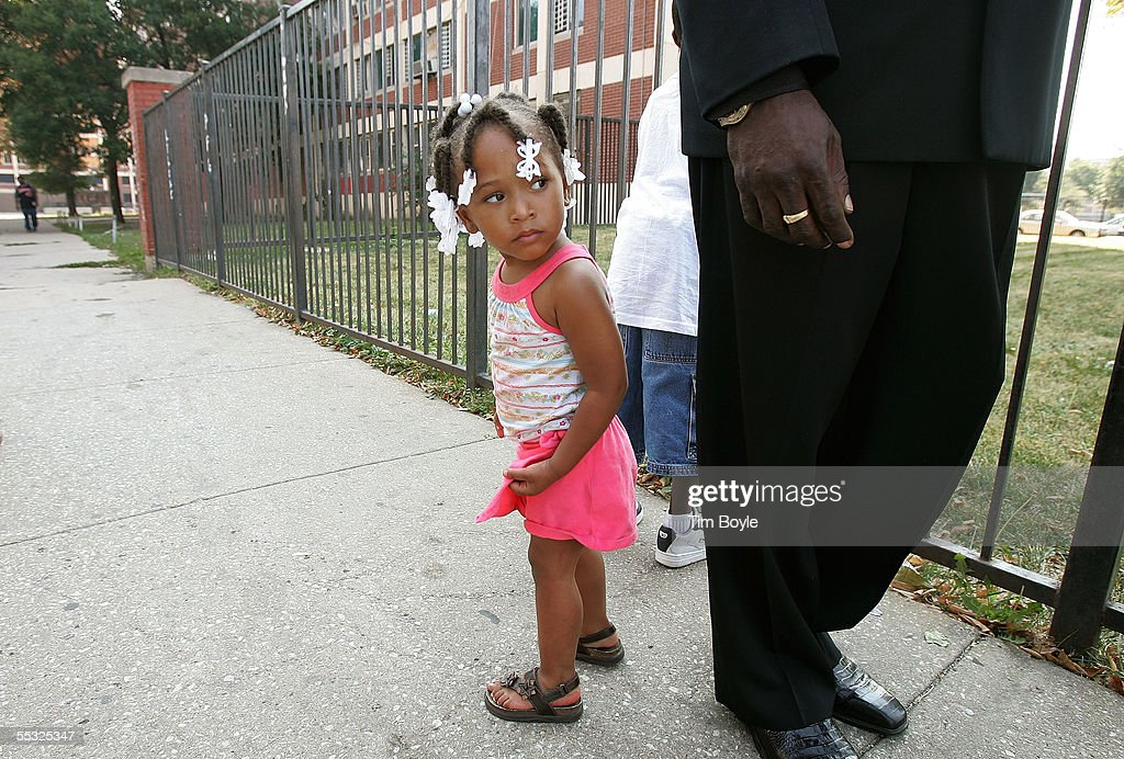 Cabrini Green Residents Call On Chicago To Open Housing To Katrina Victims : News Photo