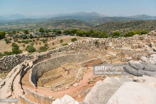 mycenae, archaeological place in greece - peninsula de grecia fotografías e imágenes de stock