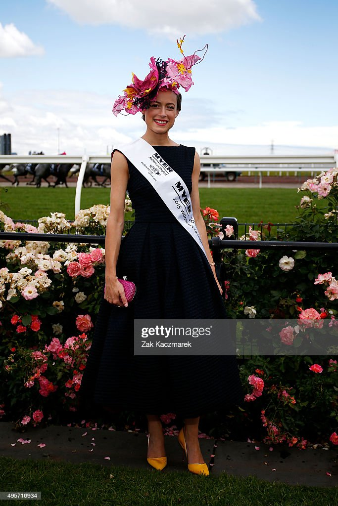 Around Crown Oaks Day : News Photo