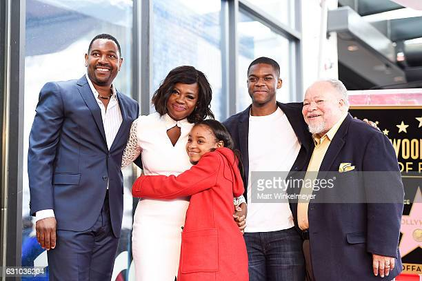 Mykelti Williamson, Viola Davis, Saniyya Sidney, Jovan Adepo and Stephen Henderson attend a ceremony honoing Viola Davis with a star on the Hollywood...