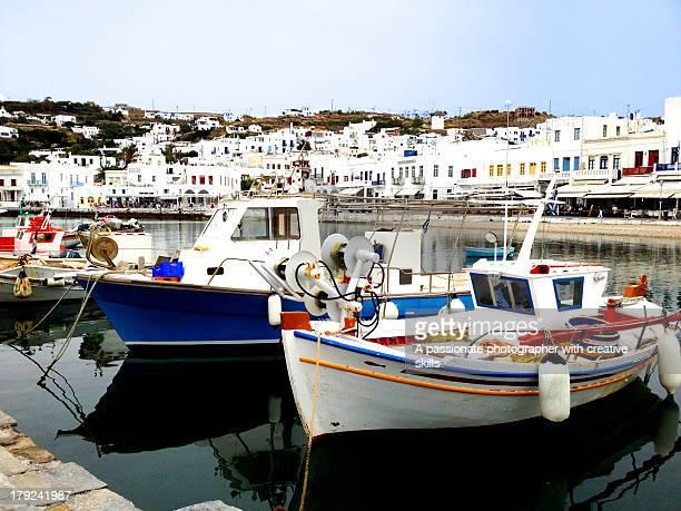 mykonos island - ver a hora stockfoto's en -beelden