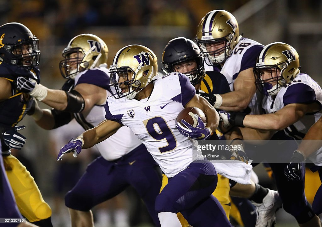Myles Gaskin #9 of the Washington Huskies runs with the ball against the California Golden Bears at California Memorial Stadium on November 5, 2016 in Berkeley, California.