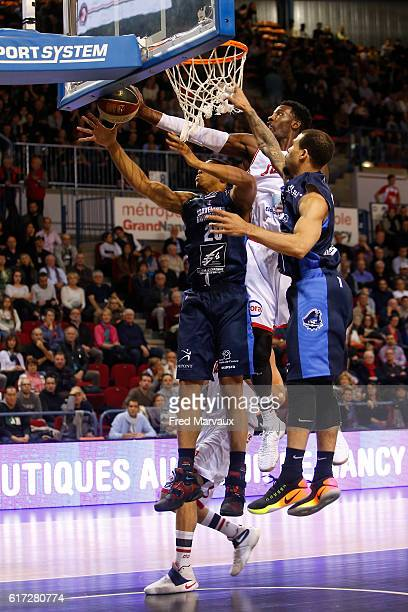 Myles Hesson of Gravelines Dunkerque and Dario Hunt of Sluc Nancy basket during the Pro A Match between Nancy and Gravelines Dunkerque on October 22...