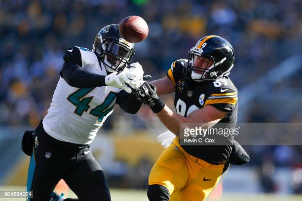 Myles Jack of the Jacksonville Jaguars intercepts a pass intended for Vance McDonald of the Pittsburgh Steelers during the first half of the AFC...