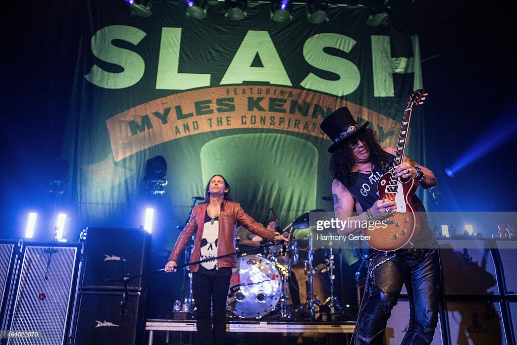 Slash Featuring Myles Kennedy And The Conspirators Perform At The Hollywood Palladium : News Photo