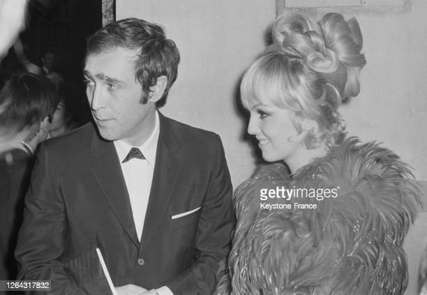 Mylène Demongeot et son nouveau mari Marc Simenon à l'Opéra de Paris France le 17 janvier 1969