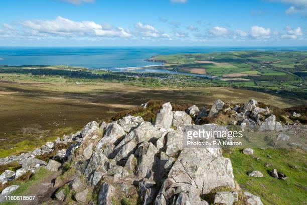 mynydd carningli, newport, pembrokeshire, wales - south wales stock pictures, royalty-free photos & images