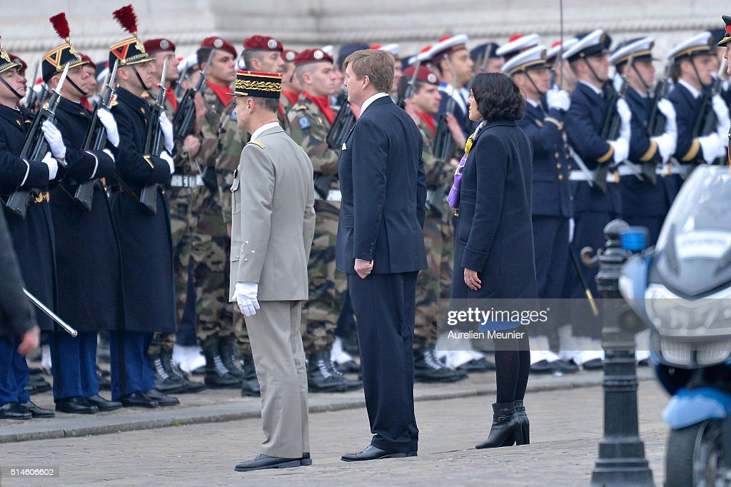 King Willem-Alexander of the Netherlands and Queen Maxima on Official Two days State Visit in Paris  : Day One : Foto jornalística