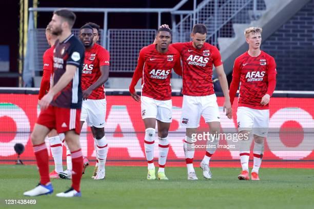 Myron Boadu of AZ Alkmaar celebrates 1-1 with Bruno Martins Indi of AZ Alkmaar, Pantelis Hatzidiakos of AZ Alkmaar, Albert Gudmundsson of AZ Alkmaar...