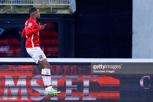 Myron Boadu of AZ Alkmaar celebrates 2-2 during the Dutch Eredivisie match between AZ Alkmaar v Feyenoord at the AFAS Stadium on February 28, 2021 in...