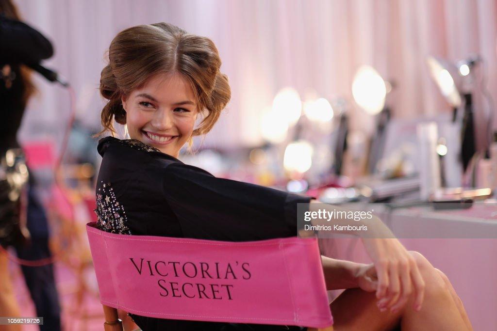 2018 Victoria's Secret Fashion Show in New York - Hair & Makeup : News Photo