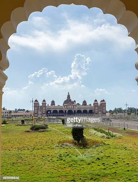 mysore royal palace, karnataka, índia - mysore - fotografias e filmes do acervo