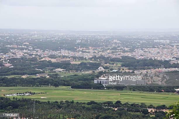 mysore skyline from chamundi hills - mysore - fotografias e filmes do acervo