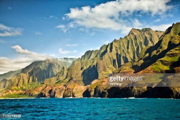 mysterious misty na pali coast and waimea canyon, kauai, hawaii - waimea canyon stock pictures, royalty-free photos & images