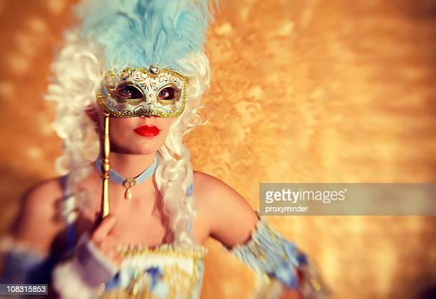 geheimnisvolle princess porträt mit karnevalsmaske - barock stock-fotos und bilder