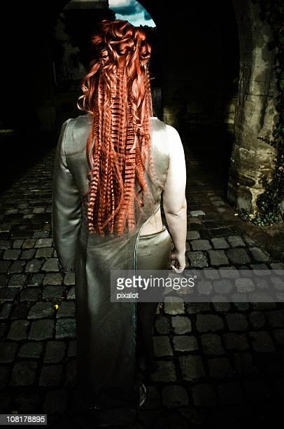 神秘的なレッドヘア王女