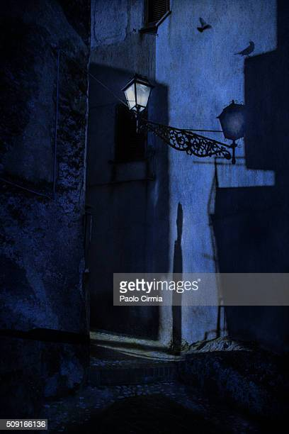 mystery in the night - mistery foto e immagini stock