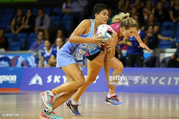 Mystic WA Fa'amu Ioane takes to the ball with Steel WD Stacey Peeters defending during the round one ANZ Championship match between the Mystics and...