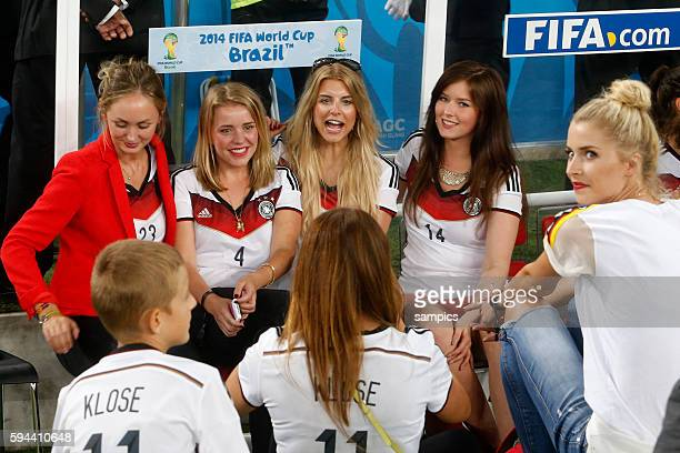 Spieler Frauen unter sich von Kramer Benedikt Höwedes Deutschland Fussball Weltmeister Deutschland Draxler und Lena Gercke von Sami Khedira...