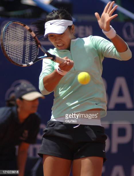 Na Li in action against Gisela Dulko during their quarterfinal match in the 2006 Estoril Open at the Estadio Nacional in Estoril, Portugal on May 5,...