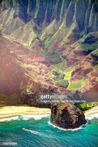 na pali coastline, kauai - na pali coast stock photos and pictures