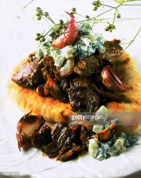Naan bread with spiced lamb & garlic