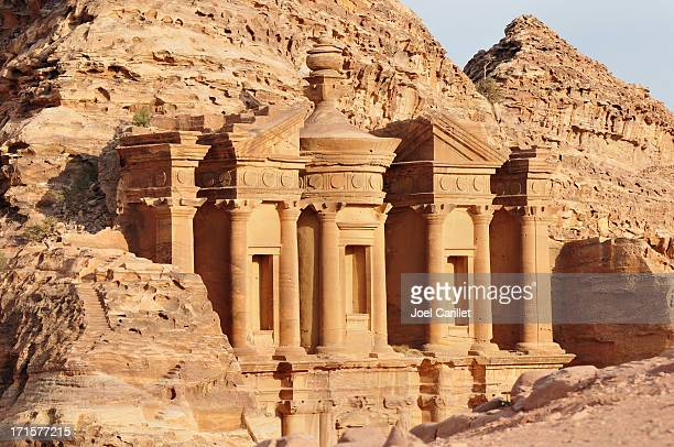 nabatean architecture at the monastery in petra, jordan - tomb stock pictures, royalty-free photos & images