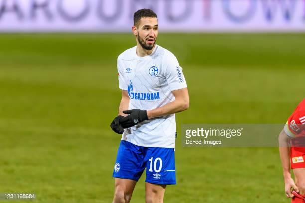 Nabil Bentaleb of FC Schalke 04 looks on during the Bundesliga match between 1. FC Union Berlin and FC Schalke 04 at Stadion An der Alten Foersterei...
