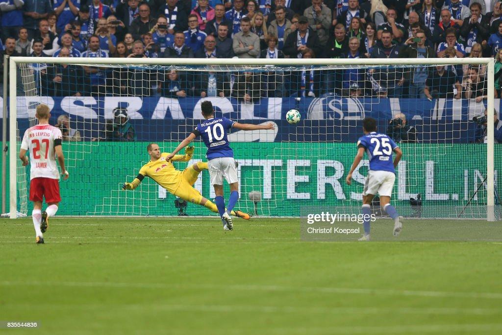 FC Schalke 04 v RB Leipzig - Bundesliga